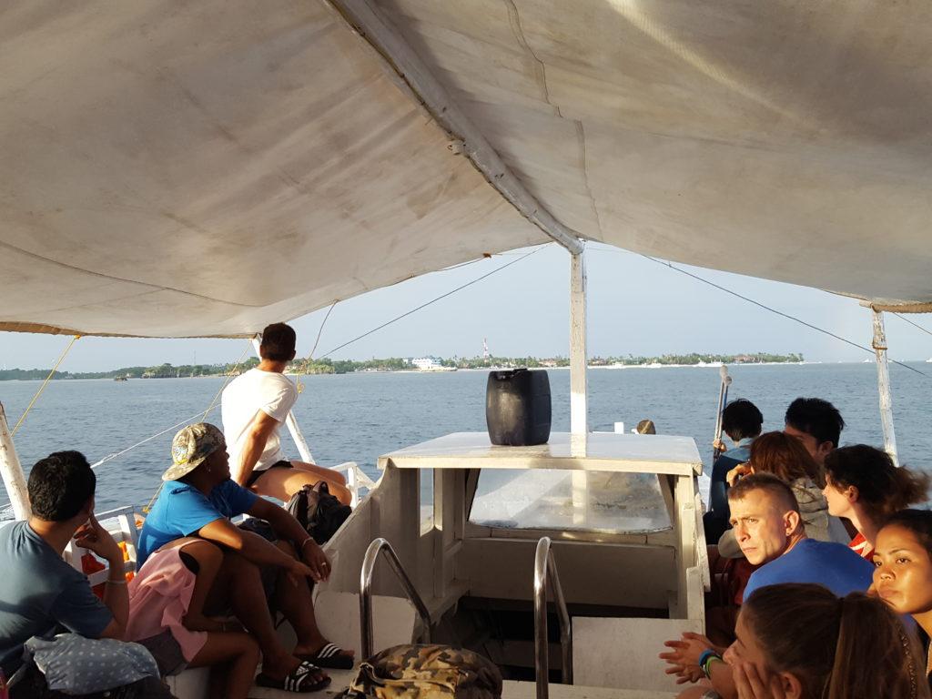マヤ港からのバンカーボート