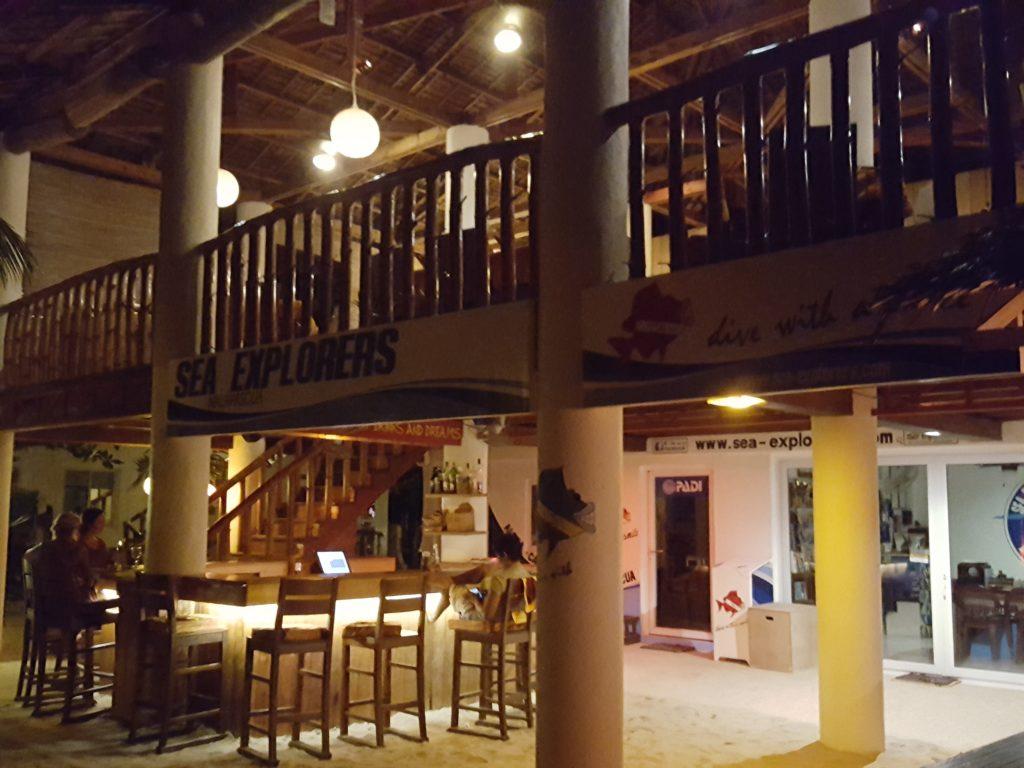 オーシャンビダリゾートのレストラン01