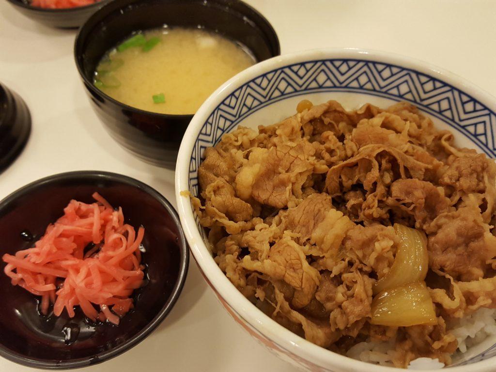 SMモールの吉野家 牛丼並盛り01