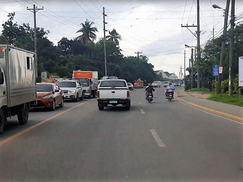 フィリピン交通事情 右側通行