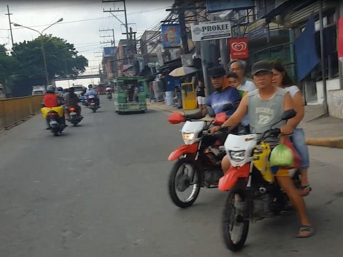 フィリピン交通事情 バイク