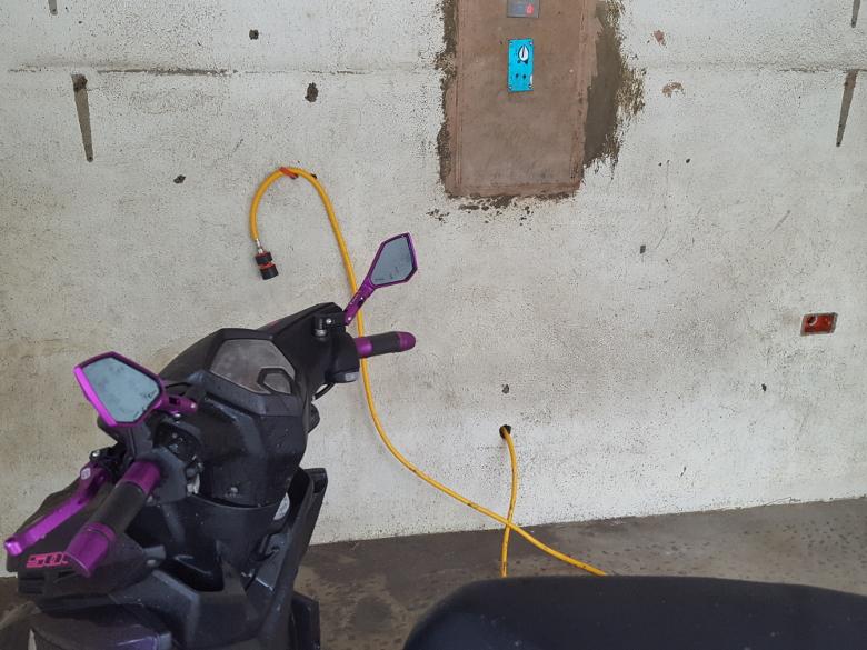 フィリピン バイクの洗車03