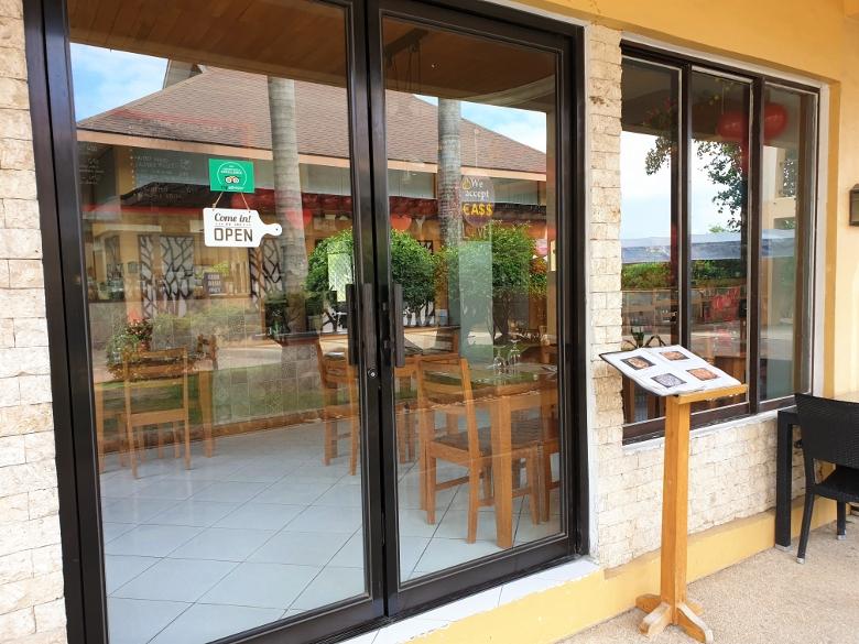ジュセフィ(GIUSEPPE - Pizzeria & Sicilian Roast)マクタン島店